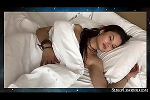 Fucking a hot Japanese girl while sleeping (Miyuki Son)