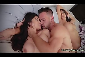 Fucks friend'_ crony'_s daughters girlcrony Family Shares A Bed
