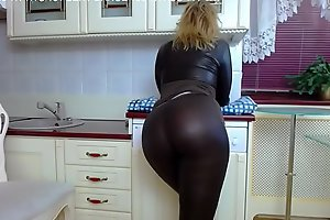 Down in the mouth MILF Shows off coupled with Twerks in Tight Latex Pants