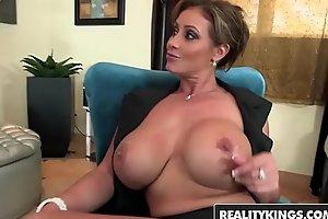 RealityKings - Fat Tits Boss - (Eva Notty, Mi) - Scratch paper Notty