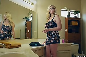 Behindhand agitate - julia ann is pounded by a heavy dick, heavy swag & heavy chest