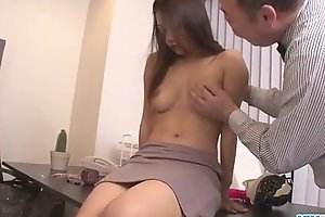 Asian babe Satomi Suzuki is approachable to drill her boss