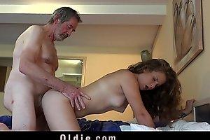 Girl has sex with venerable big-shot in her first fixture work