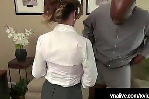 Milf Boss Deauxma Bonks BBC Employee! - VNALive.com!