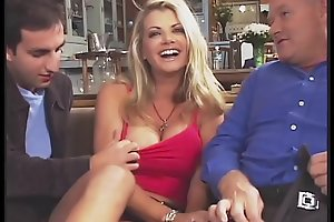 Fabulous Vicky Vette Copulates 4 Guys Together with One Old guy!