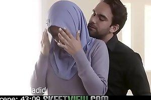 Aaliya Hadid gives Rimjob and Takes Cock up her Ass
