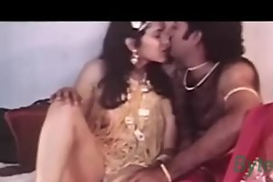 Indian Sexy Sexy Actress Reshma Nude Movie clip leaked - Wowmoyback