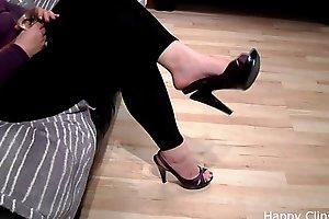 Carolina foot fetish push up dangling video