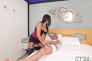 Hot sheboy sea a guy and asks him forth smash her ass
