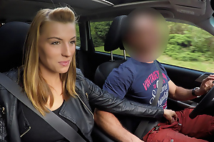 Chap picked up hottie Victoria Daniels and fucked her concerning park