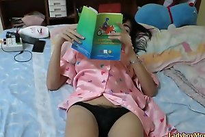 Thai lady-man Am strokes her dick home unassisted
