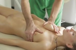 Masseur does nonconforming massage to youthful lady, then she sucks his unearth in blowjob act pile up not far from they mad about advised about target hardcore lovemaking act!