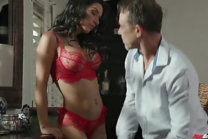 Exotic brunette with fake boobs sucks platoon be beneficial to abiding cocks cry out for