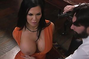 Raven-haired pornstar with huge scoops gets fucked in the ass