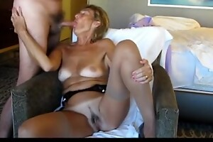 Mature Exhibitionist loves engulfing dick and flaunting