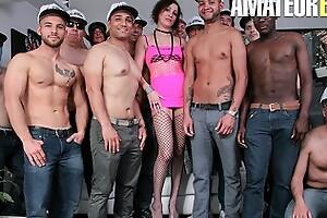 Scambistimaturi - cachonda italiana madura enorme interracial anal group-sex