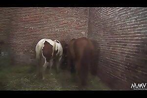 Sauerei im Schweinestall - Sie kommt aus dem Seizure im Mund nen Schwall